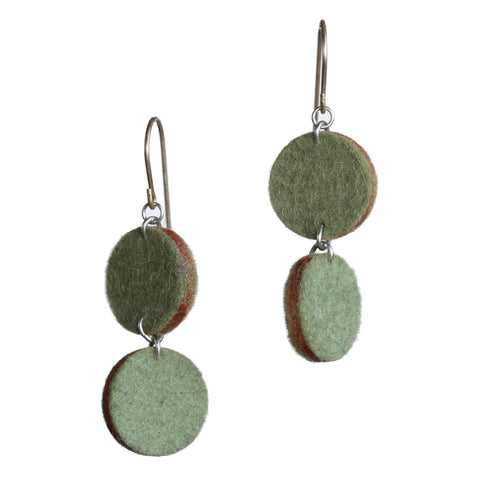 Wool felt small double-circle earrings