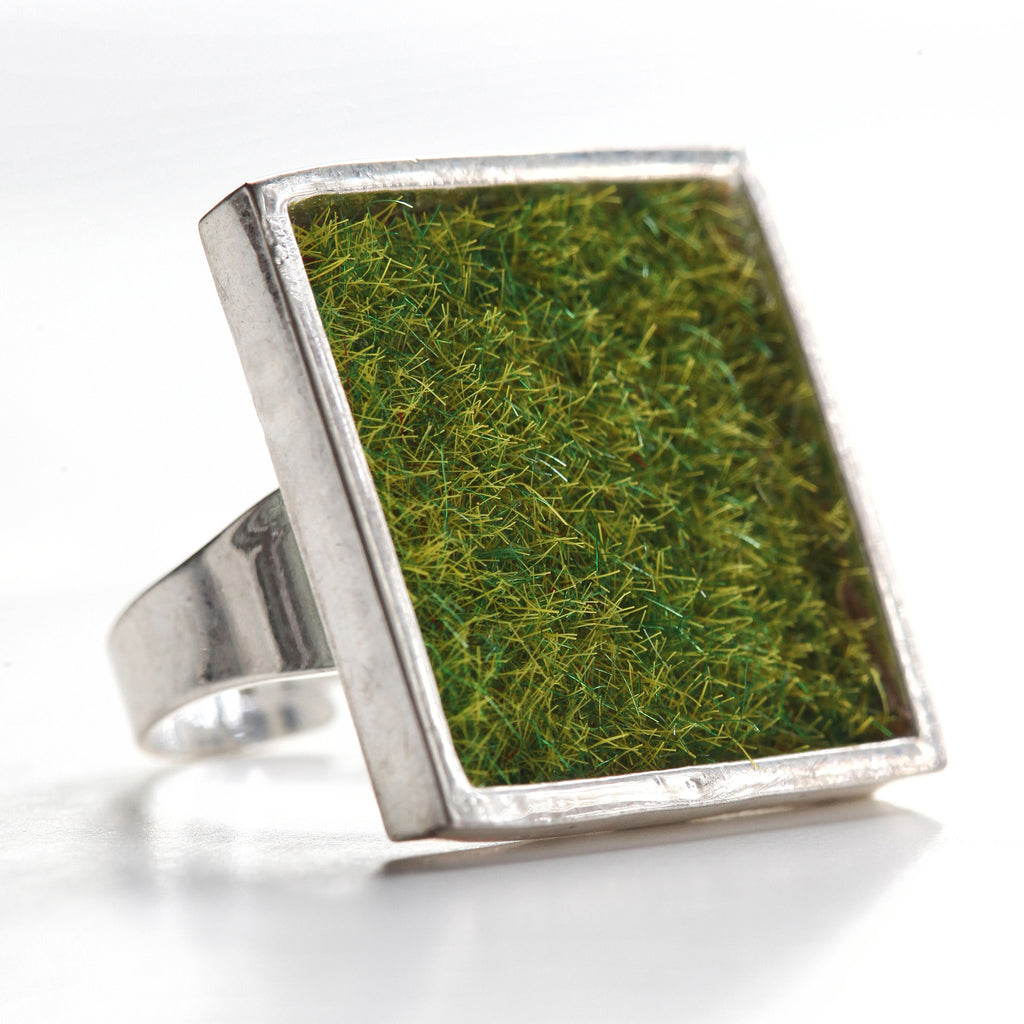 Model train grass ring - Amy Jewelry