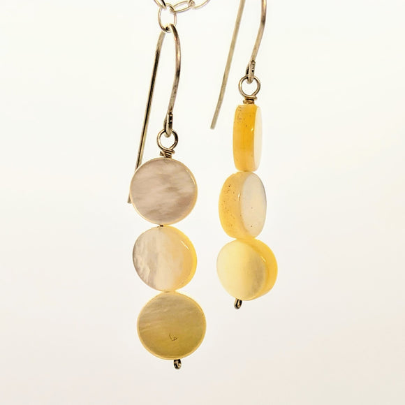 Small mother of pearl circle earrings