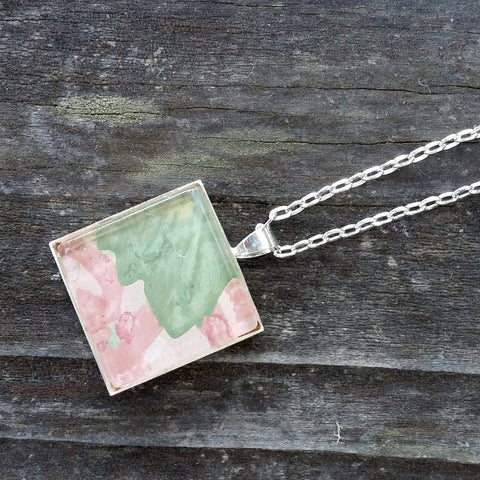 Silver-plated vintage floral wallpaper pendant