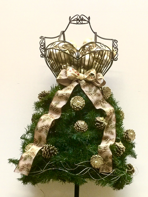 eBook Tutorial: Dress Form Christmas Tree - Flirty Style