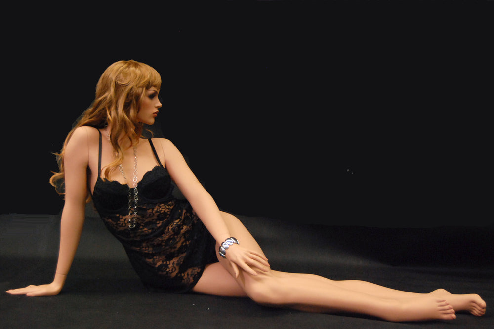 Emma 7: Realistic Female Mannequin in Lying Pose