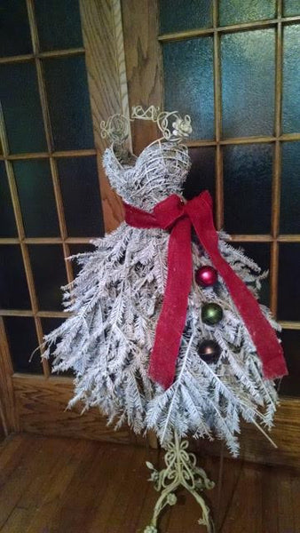 eBook Tutorial: Dress Form Christmas Tree - Traditional Style with Live Pine Branches