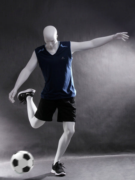 Soccer Playing Male Mannequin: Matte White