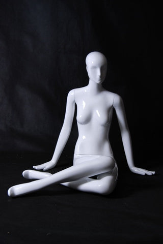 Gabriella 8: Seated Mannequin: Glossy White