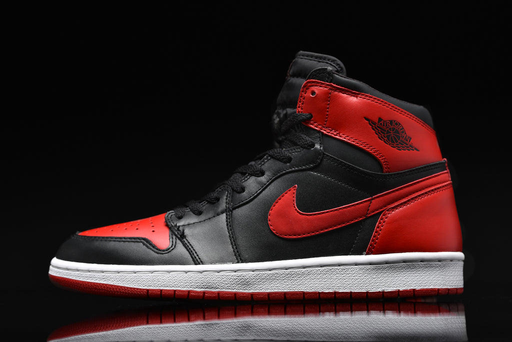 4d7a11fbb036 AIR JORDAN 1 BRED THROUGH THE YEARS  1985 VS. 2001 VS. 2016