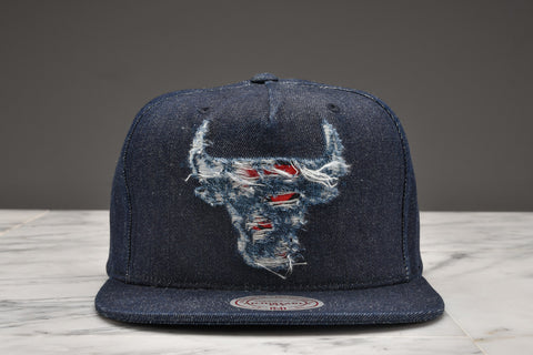 "LAPSTONE & HAMMER x MITCHELL & NESS ""DESTRUCTED DENIM"" - BULLS LOGO"