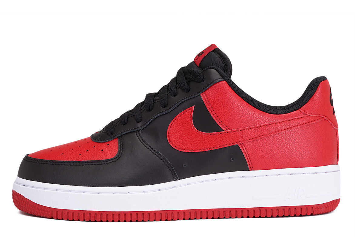 AIR FORCE 1 - BLACK / GYM RED