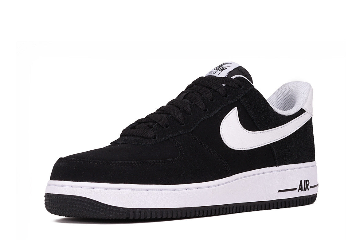 AIR FORCE 1 '07 - BLACK / WHITE