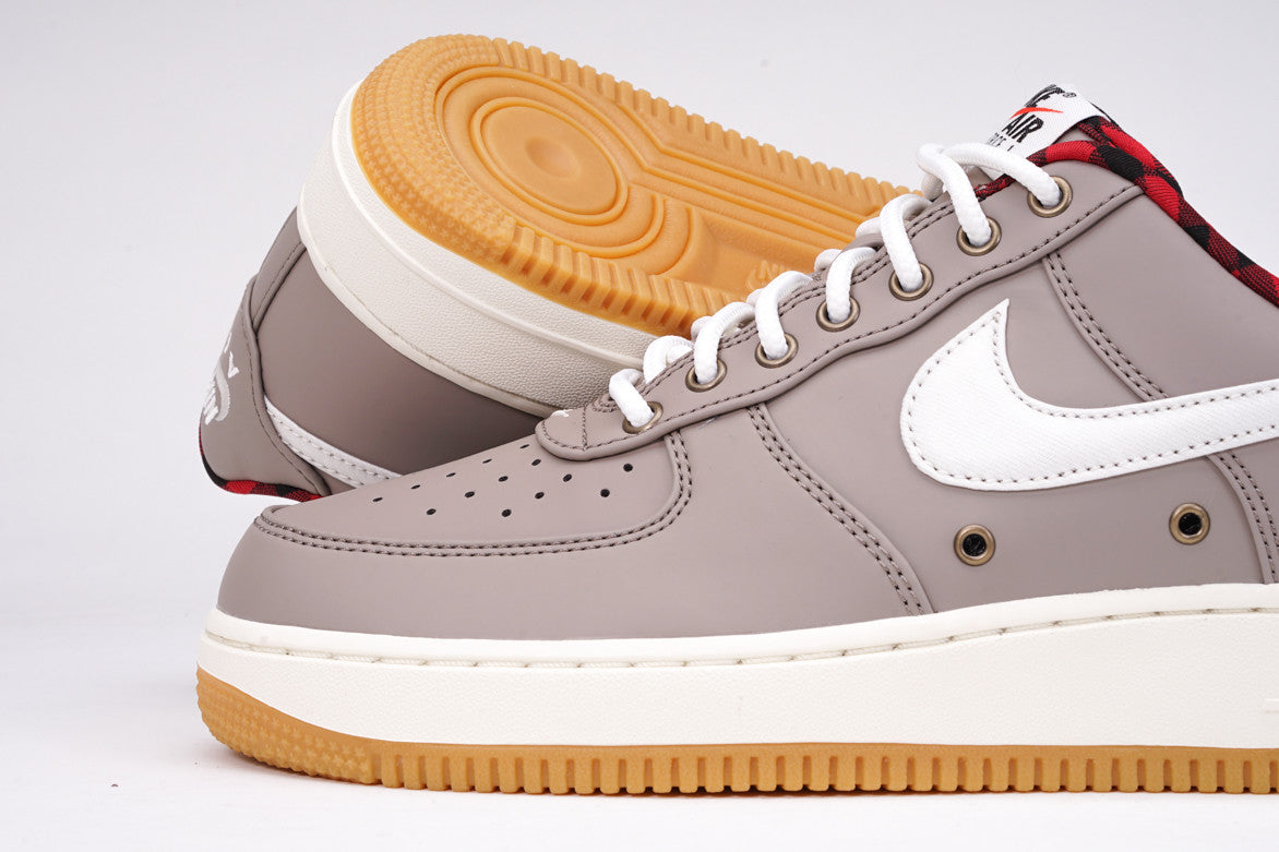 AIR FORCE 1 '07 LV8 - TAUPE