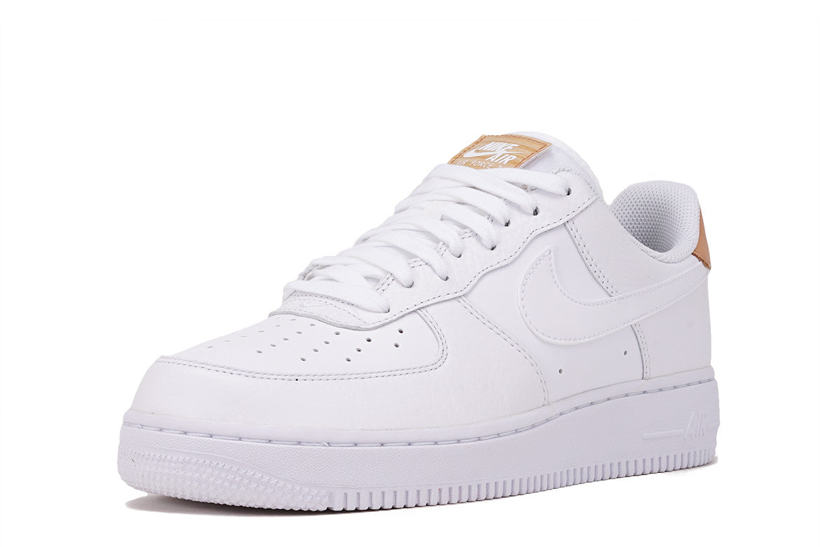 AIR FORCE 1 '07 LV8 - WHITE / VACHETTA
