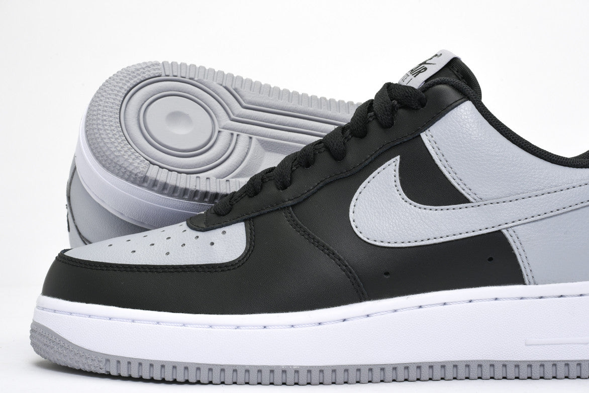 AIR FORCE 1 - BLACK / WOLF GREY