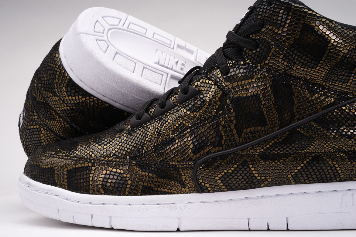 AIR PYTHON PREMIUM - BLACK / METALLIC GOLD