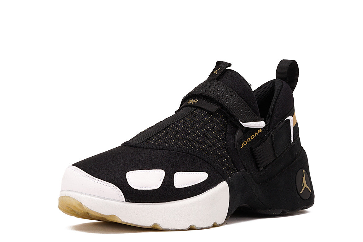 0e040bbb7e1cb8 ... JORDAN TRUNNER LX BHM - BLACK   METALLIC GOLD ...