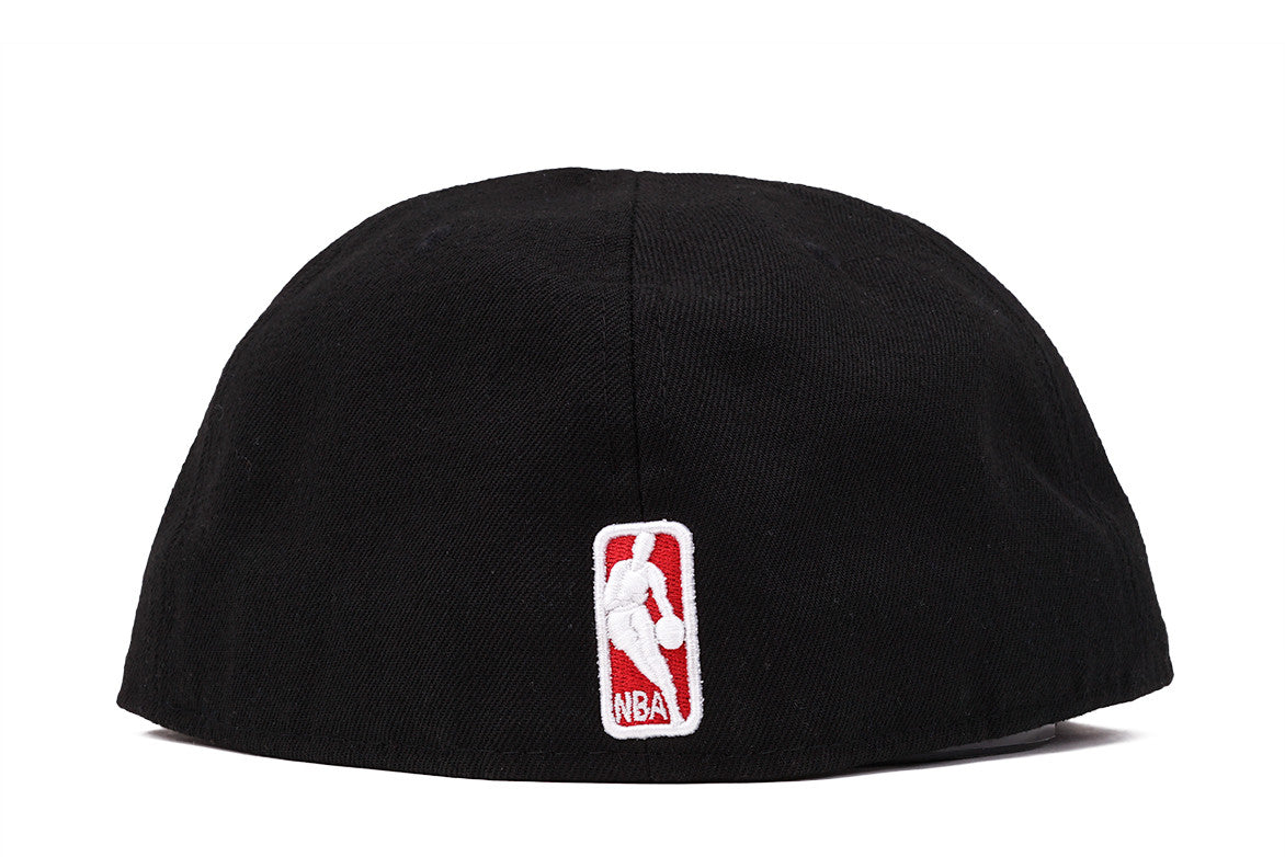 5950 BULLS FITTED HAT - BLACK