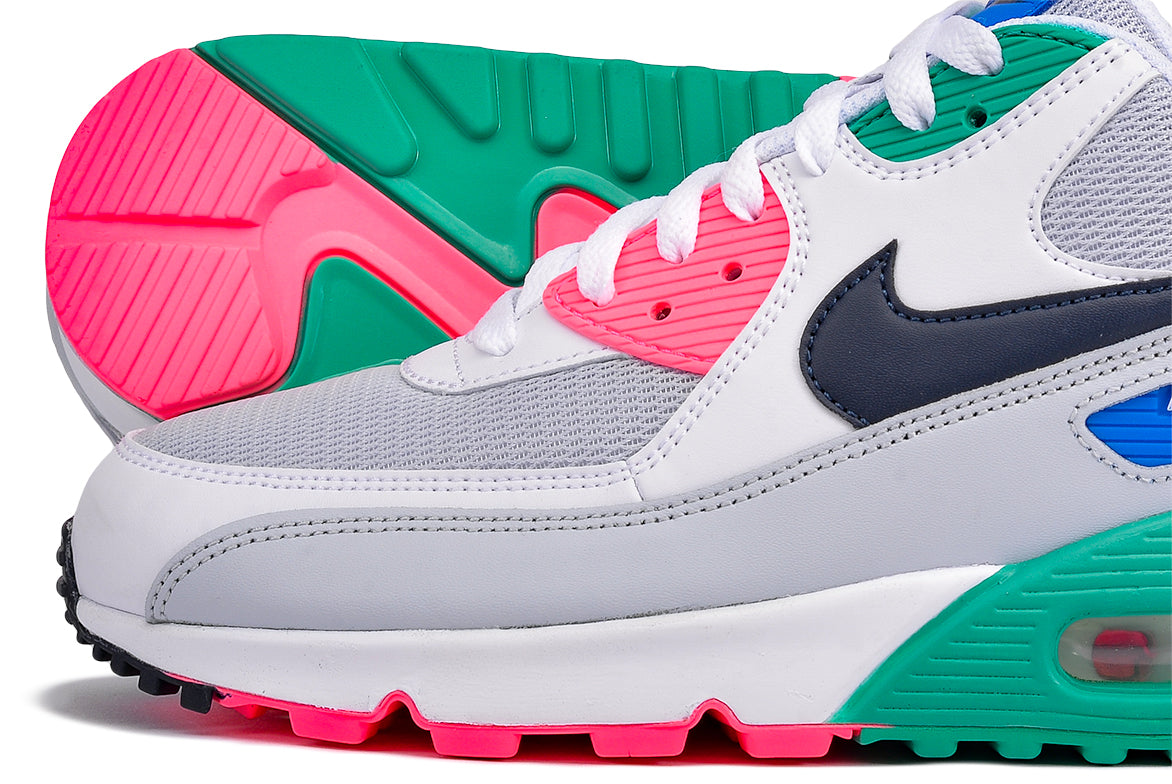 on sale f8d65 1fa20 NIKE AIR MAX 90 ESSENTIAL