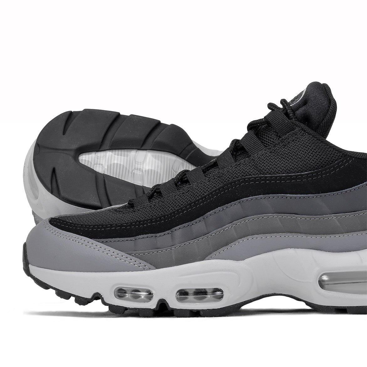 NIKE AIR MAX 95 ESSENTIAL - BLACK / PURE PLATINUM