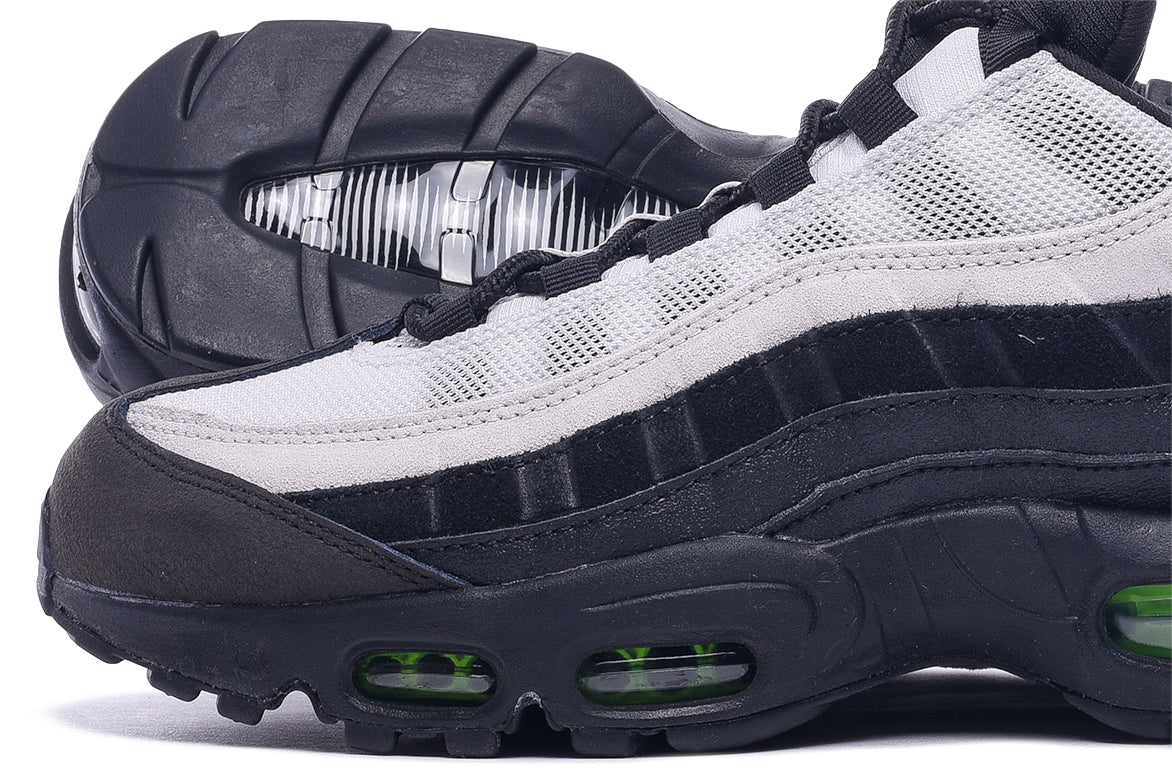 AIR MAX 95 ESSENTIAL - BLACK / ELECTRIC GREEN