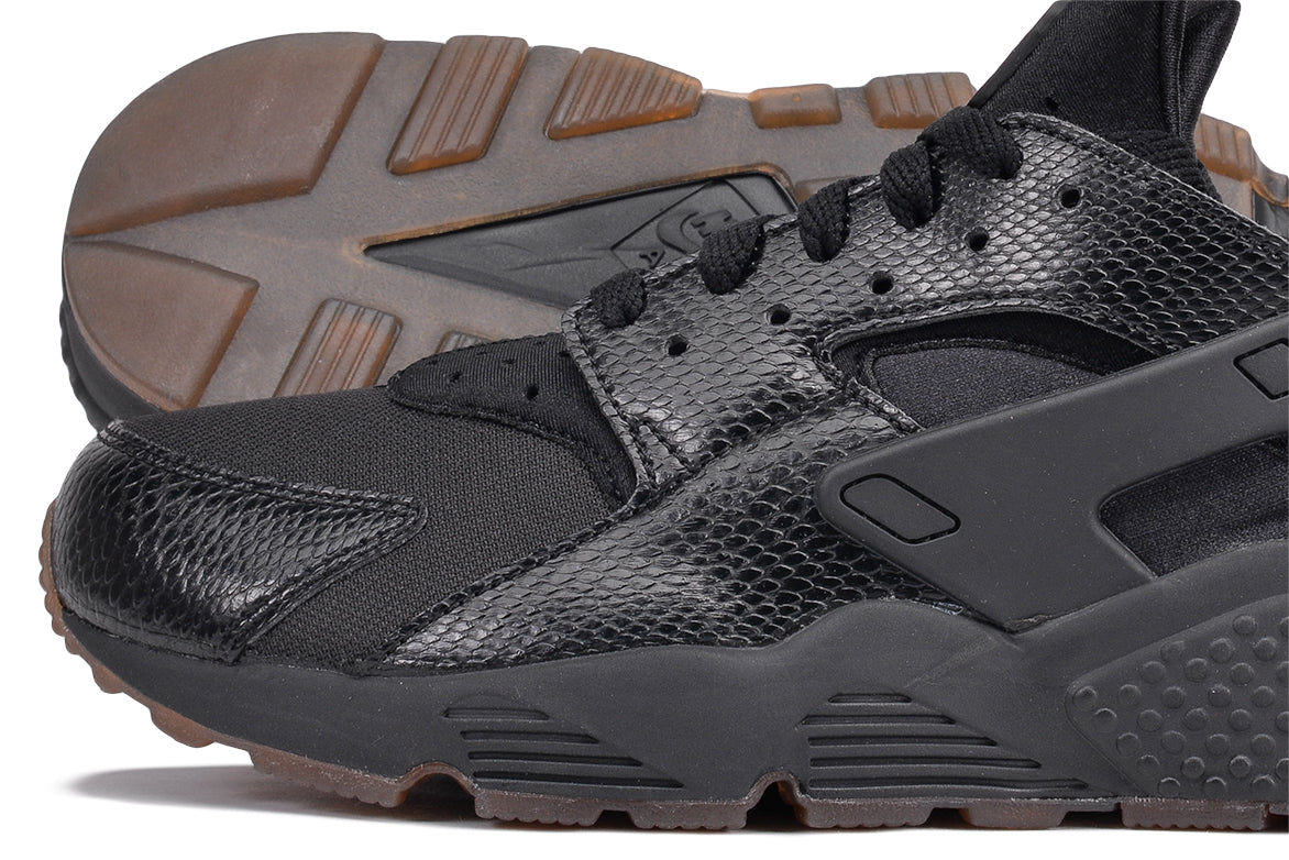 dfad815be31f ... AIR HUARACHE - BLACK   GUM