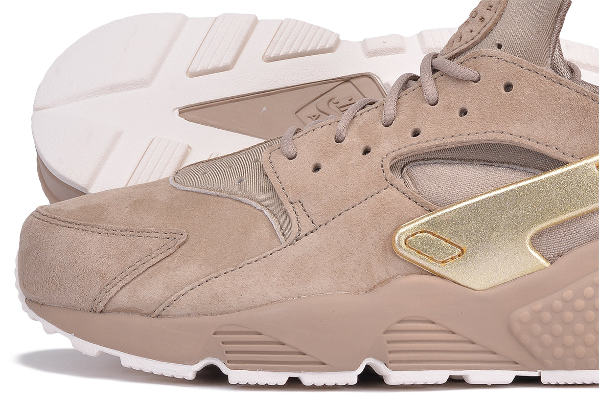 e080350bdb8e ... AIR HUARACHE RUN PRM - KHAKI   METALLIC GOLD COIN