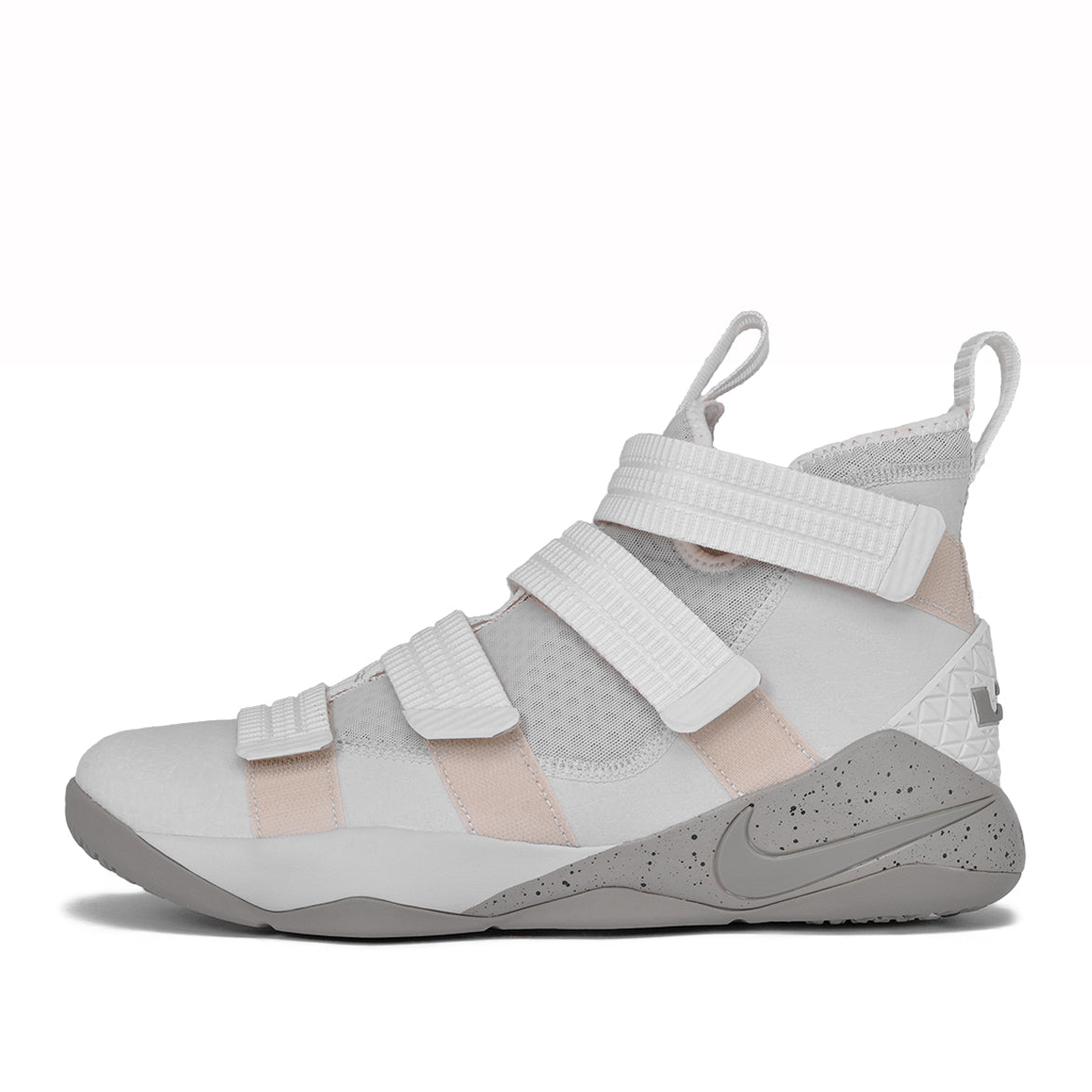 LEBRON SOLDIER XI SFG - LIGHT BONE / DARK STUCCO