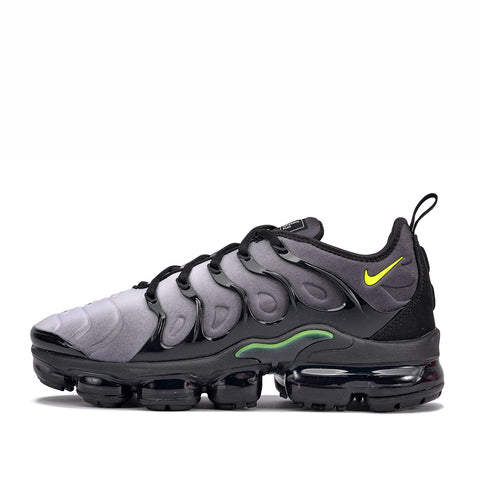 AIR VAPORMAX PLUS - BLACK / VOLT