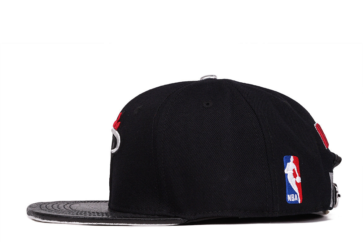 HEAT TEAM STRAPBACK - BLACK
