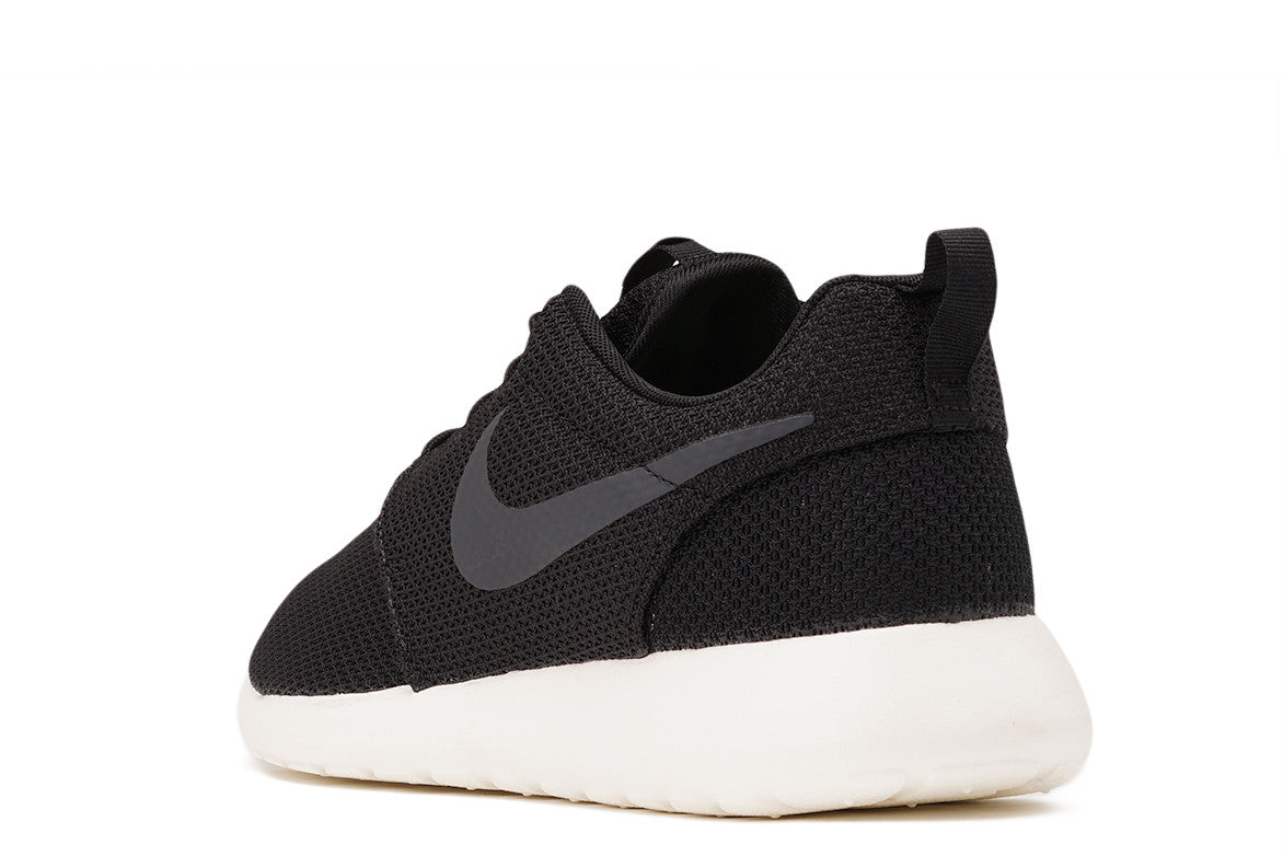 ROSHE ONE - BLACK