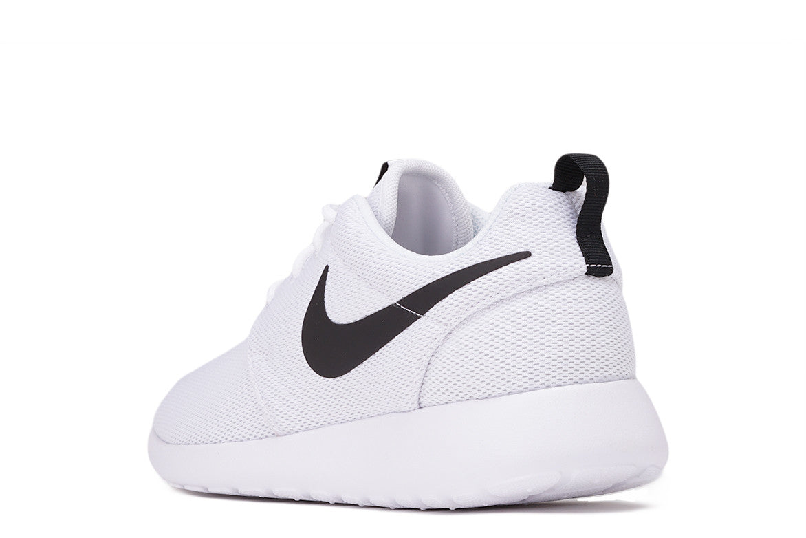 ROSHE ONE (WMNS) - WHITE / BLACK