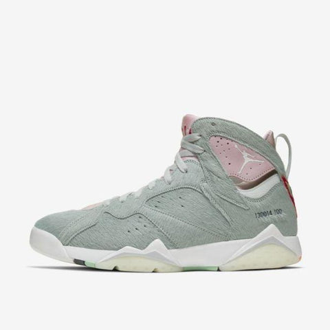 "AIR JORDAN 7 RETRO SE ""HARE 2.0"""