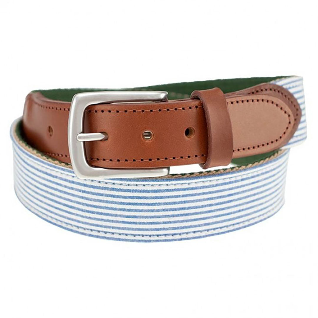 Our Haspel x T.B. Phelps collaboration belt is a stylish addition to any summer wardrobe, features you guessed it, seersucker stripes. Perfect for your summer trip! The seersucker is backed on sturdy nylon webbing, finished with a sturdy briar tab set and nickel finish buckle.