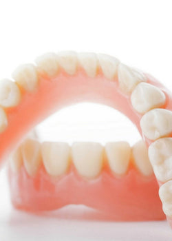How to clean your dentures!
