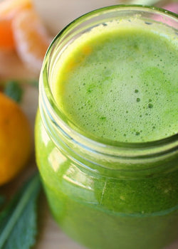Does Juicing destroy the color of your teeth?