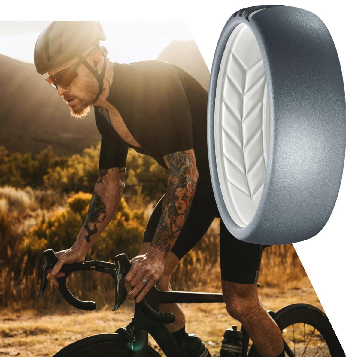 Man working out wearing a Live Ring silicone wedding band