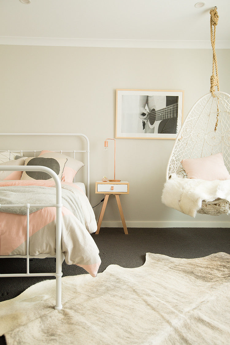 the gypsy hanging chair july delivery byron bay hanging chairs rh byronbayhangingchairs com au hanging chairs for bedrooms uk hanging chairs for bedrooms egg