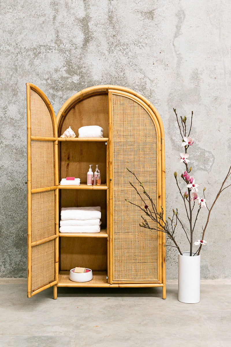 Oval Hutch (April delivery)