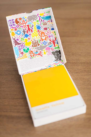 Kids Pantone colour cards box