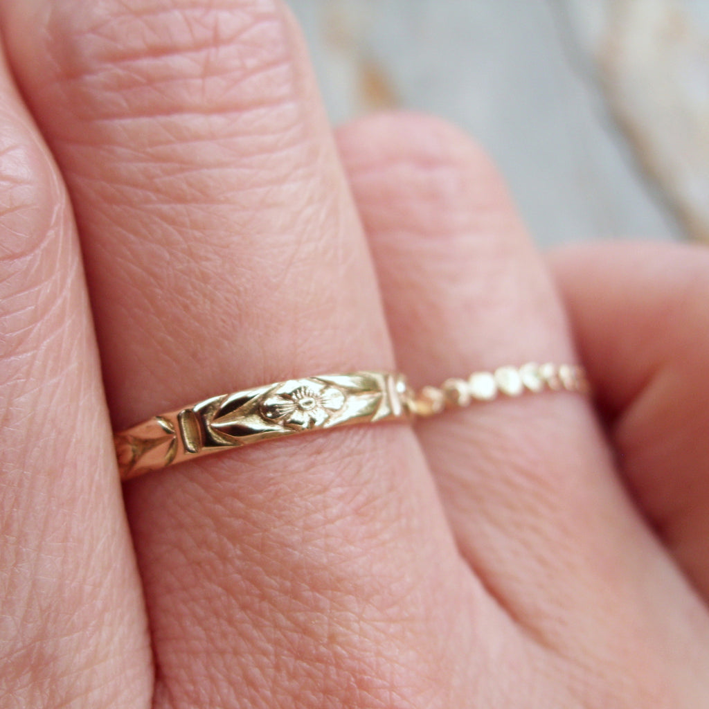 14k Gold Chevron Leaf and Posy Detail Wedding Band – brightsmith