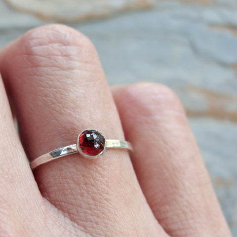 4mm Rose Cut Garnet Stacking Ring in Hammered Sterling Silver - January Birthstone Stacking Ring