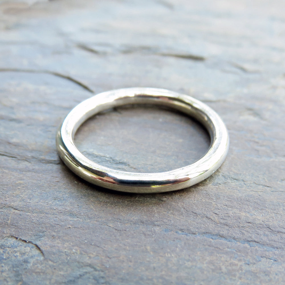Thick Full Round Ring in Sterling Silver, Perfect Circle Heavy Simple Wedding Band, 2.5mm Silver Ring in Matte or High Polish Halo Ring