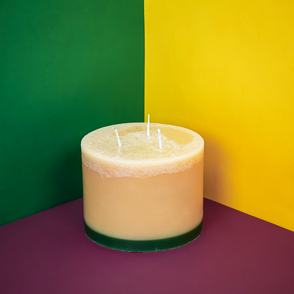 Load image into Gallery viewer, Winter Spice 3 Wick Candle