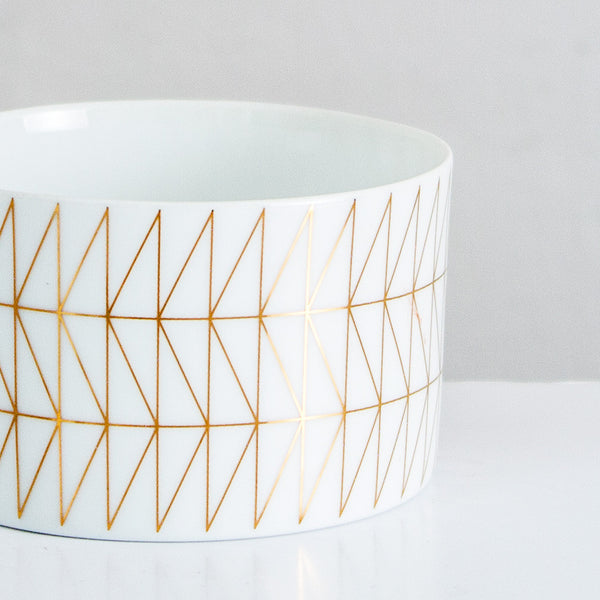 Porcelain votive with gold detail - Att Pynta