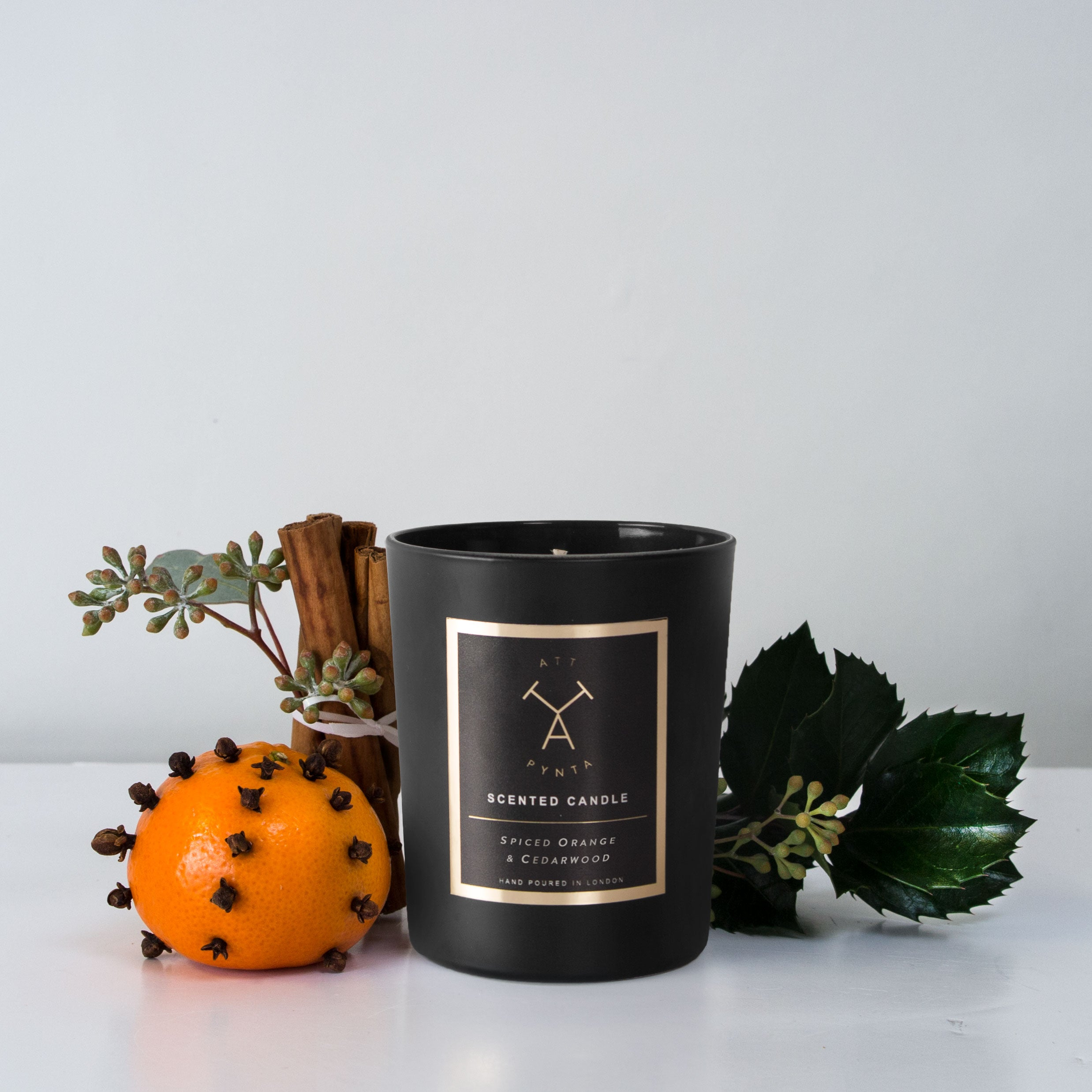 Spiced orange & Cedarwood scented candle