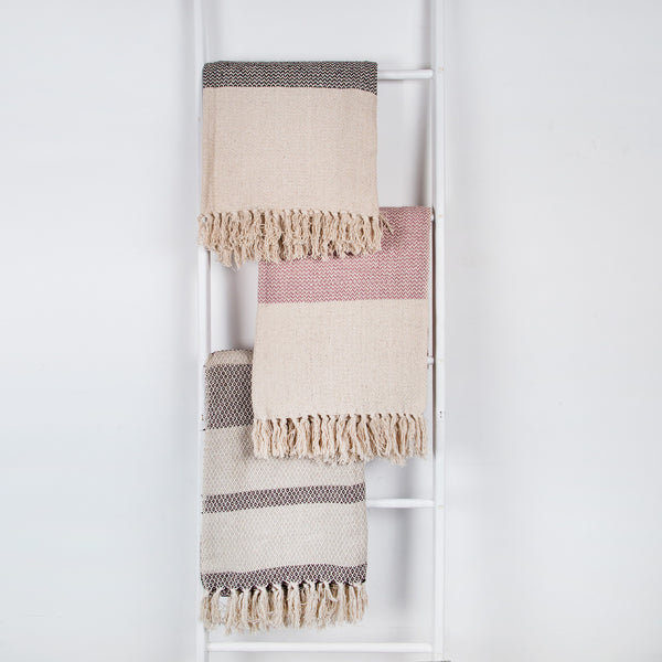 Cotton woven throw in blush pink