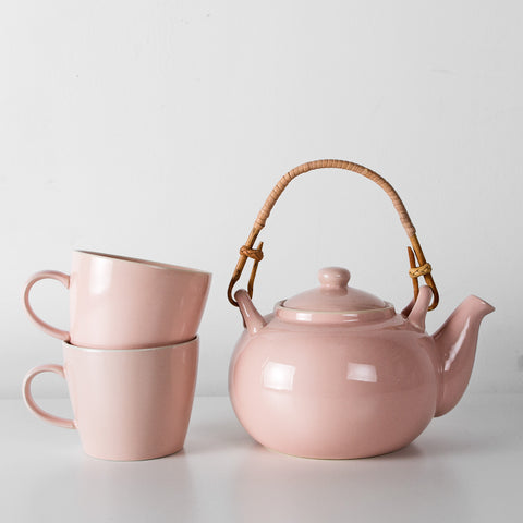 Dusty pink tea pot and mugs