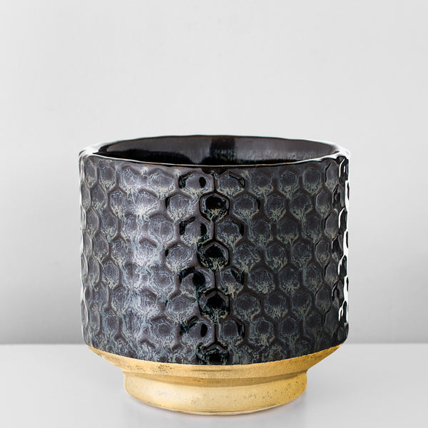 Textured stoneware plant pot with gold detail