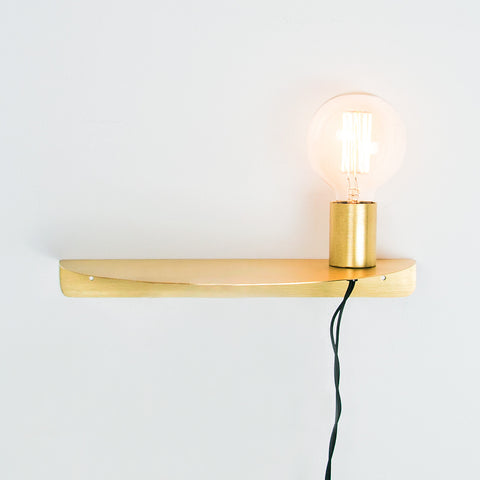 Brushed steel gold tone shelf lamp - Att Pynta