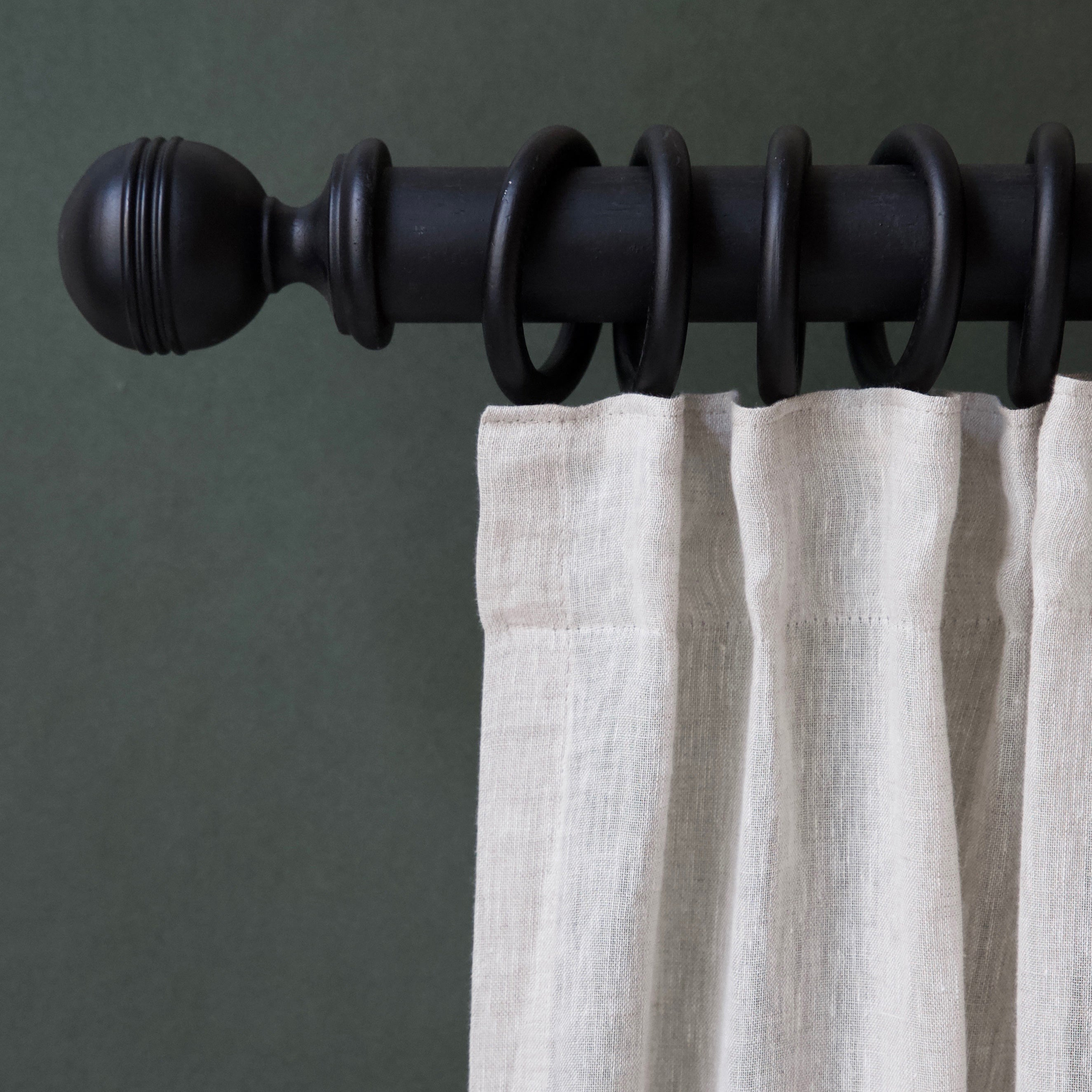 Solid wood curtain pole and rings