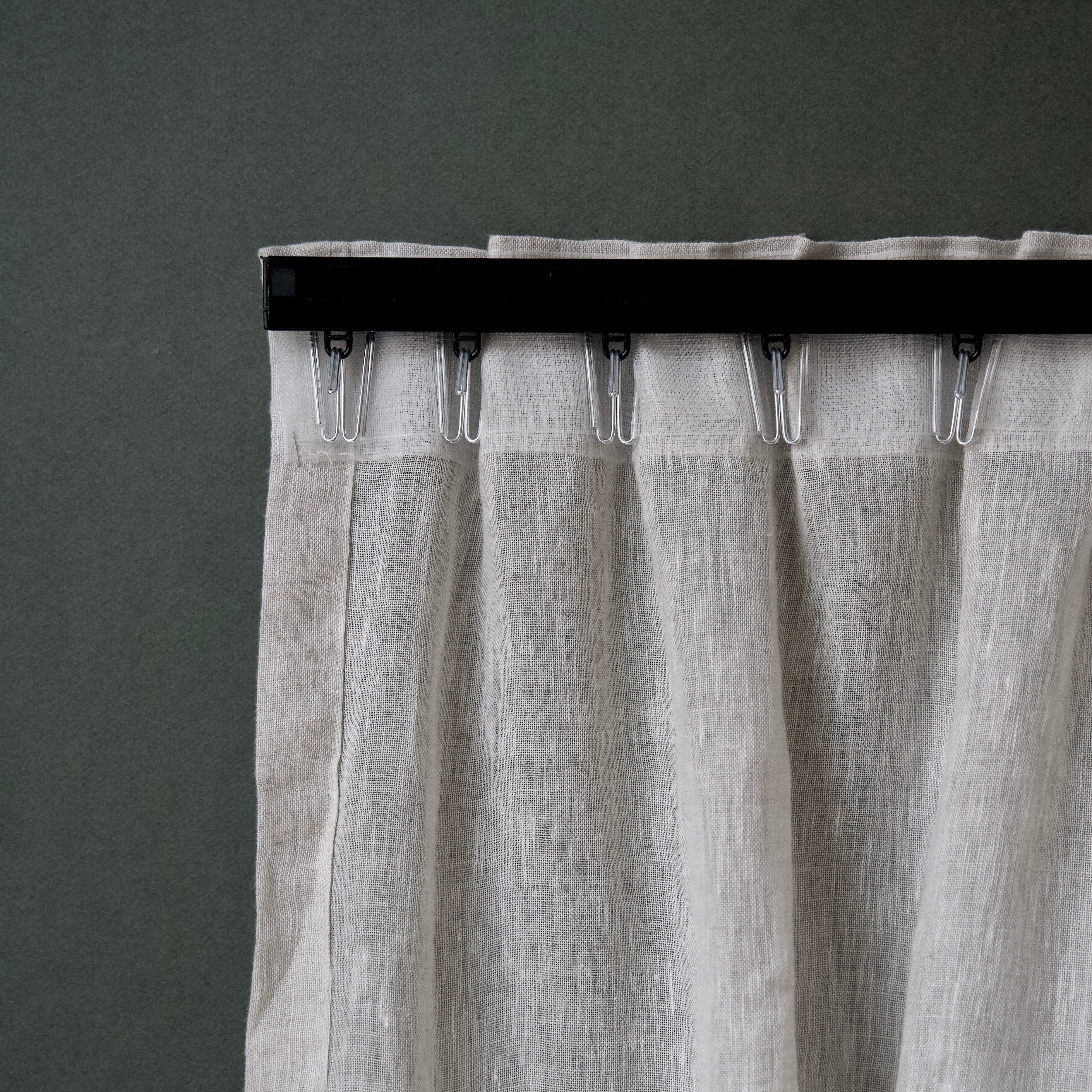 Curtain track in Black or White