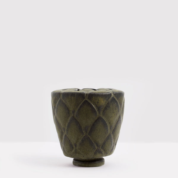 Handmade Protea pot in matt black by Caro Gates